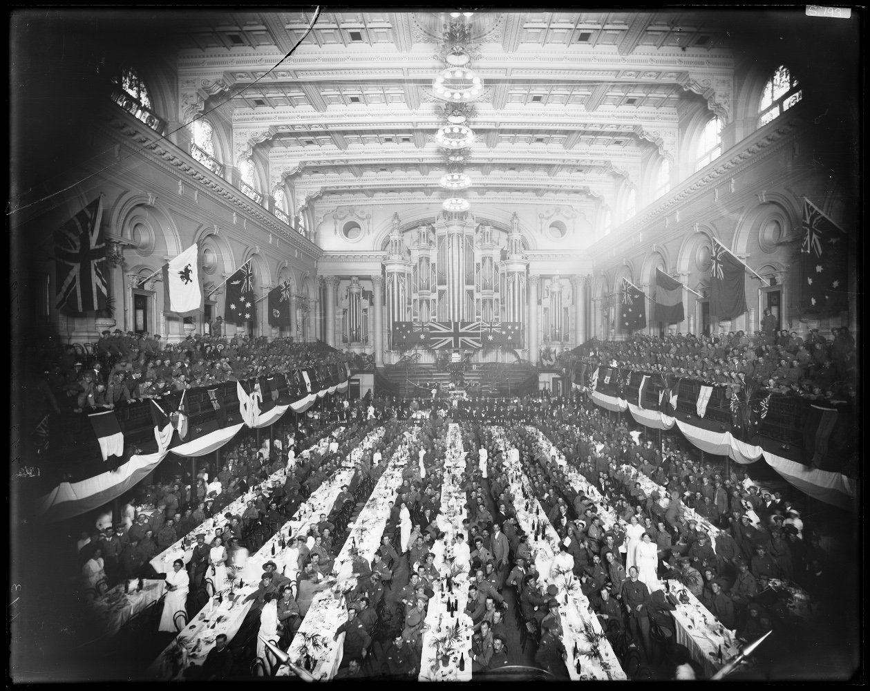 ANZAC Day 1916 dinner for returned soldiers, Town Hall, Sydney 25 April 1916. Digital ID NRS4481_ST5793P.jpg