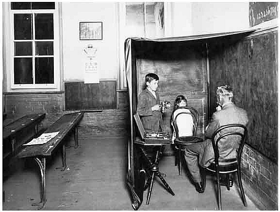 Eye examination at the School Travelling Ophthalmic Clinic, c.1914. Digital ID 4880_a004_a004000018r