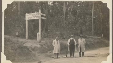 Princes Highway, Victoria - New South Wales border, 1931. From the albums of the Board of Fire Commissioners, digital ID 549_a029_a029000359
